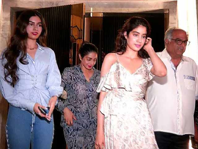 Jhanvi And Khushi Celebrate Sridevi's Birthday