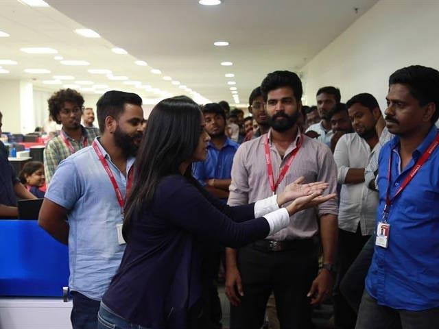 Video : யார் அந்த அமுல்பேபி - VIP2 சேலன்ச்