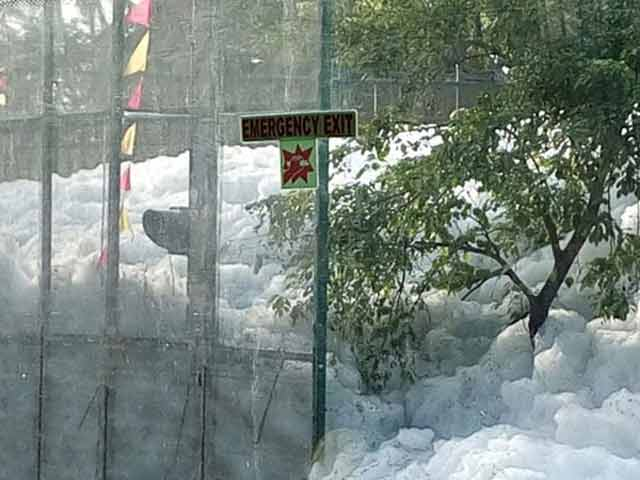 Bengaluru's Varthur Lake Now Spews Up 10-Feet-High Froth