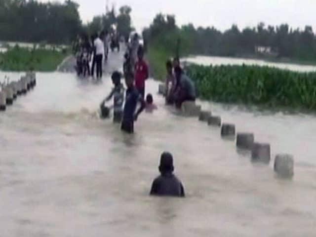 Video : इंडिया 8 बजे : बिहार में बाढ़ से अबतक 72 लोगों की मौत, 13 जिले प्रभावित