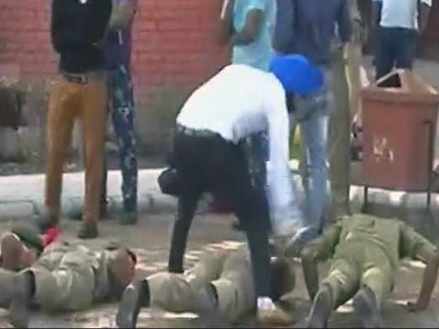 Videos : मोहाली में एनसीसी कैडेट्स की पिटाई, वायरल हुआ वीडियो