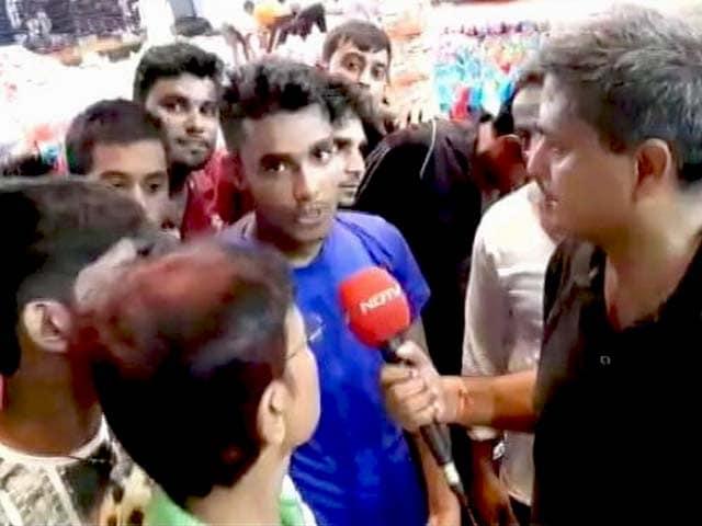 Videos : Ground Report: मोतिहारी में स्थानीय खिलाड़ी राहत सामग्री बनाने में जुटे