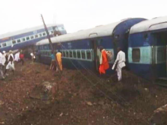Video : इंडिया 9 बजे: मुज़फ्फरनगर के खतौली के पास कलिंग उत्कल एक्सप्रेस पटरी से उतरी