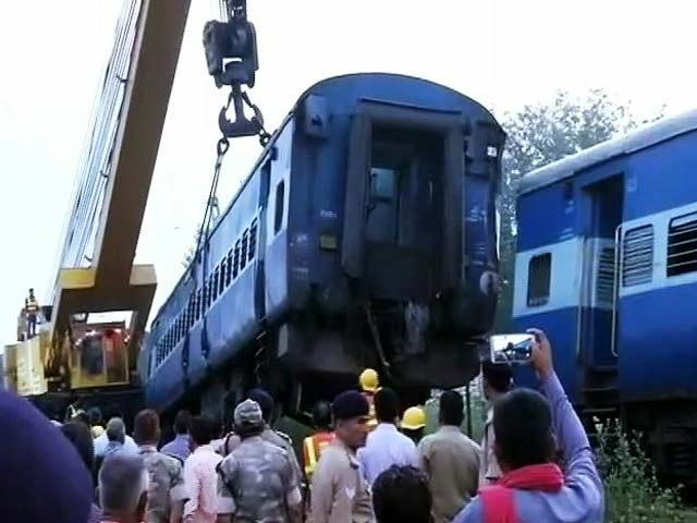 Videos : लगातार हो रहे रेल हादसों के बाद विपक्ष के निशाने पर सुरेश प्रभु