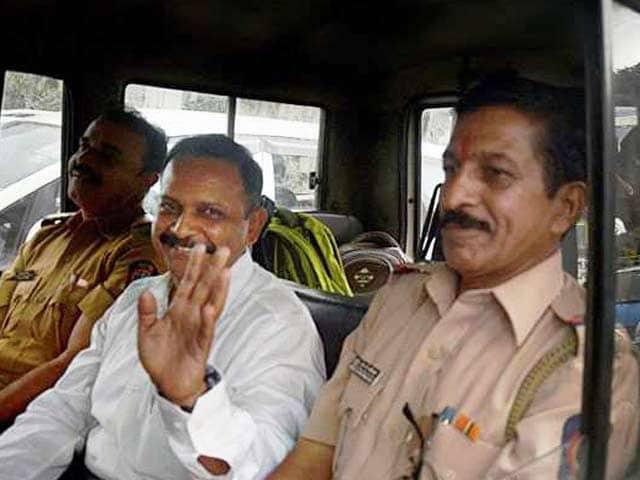 Videos : मालेगांव धमाके के आरोपी कर्नल पुरोहित 9 साल बाद जेल से बाहर
