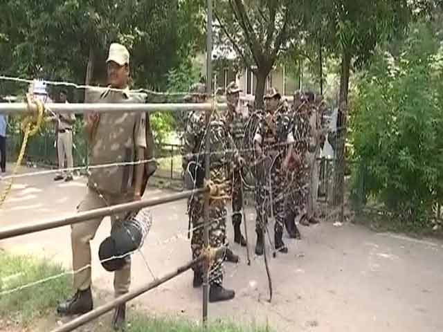 Video : Army In Panchkula As Thousands Stake Out For Gurmeet Ram Rahim Singh Verdict