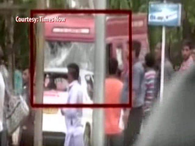 Video : NDTV Van, Staff Attacked After Ram Rahim Verdict