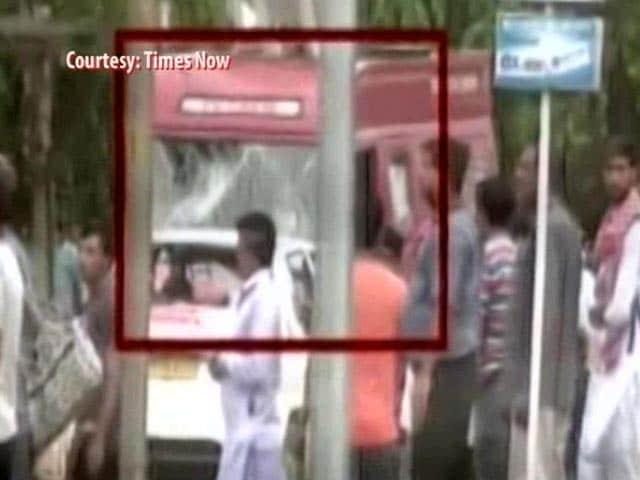 Videos : गुरमीत राम रहीम के समर्थकों का उत्पात, एनडीटीवी की टीम पर किया हमला