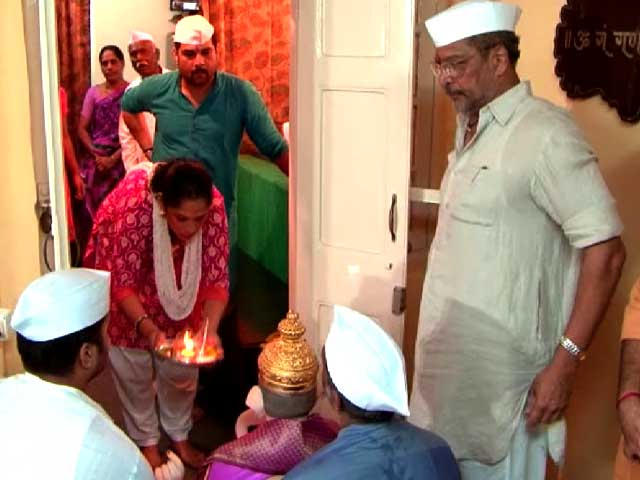 Video : Ganpati Pooja At Nana Patekar's Home