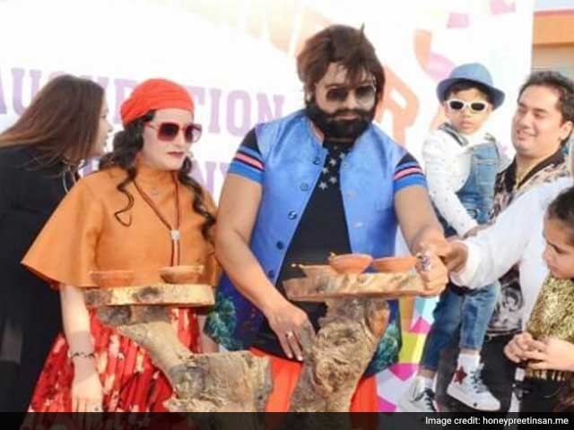 Video : Honeypreet, Ram Rahim's Aide, Arrested On The Highway Near Chandigarh