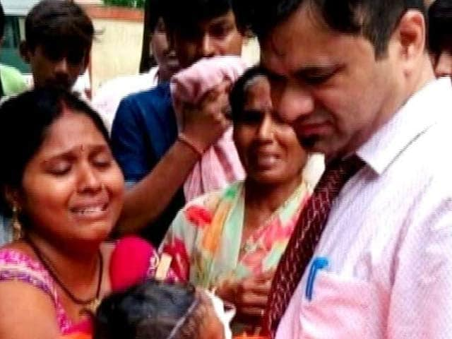 Video : गोरखपुर हादसा : डॉक्टर कफील को एसटीएफ ने किया गिरफ्तार