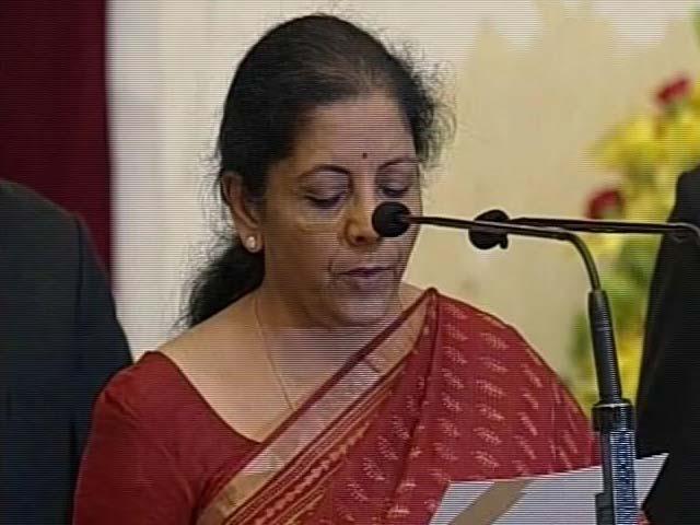 Videos : निर्मला सीतारमण बनीं देश की दूसरी महिला रक्षामंत्री