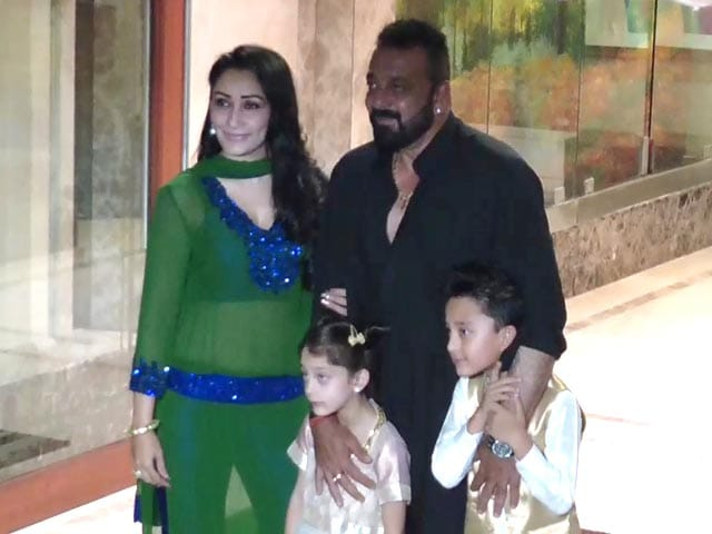Video : Sanjay Dutt's Eid Party