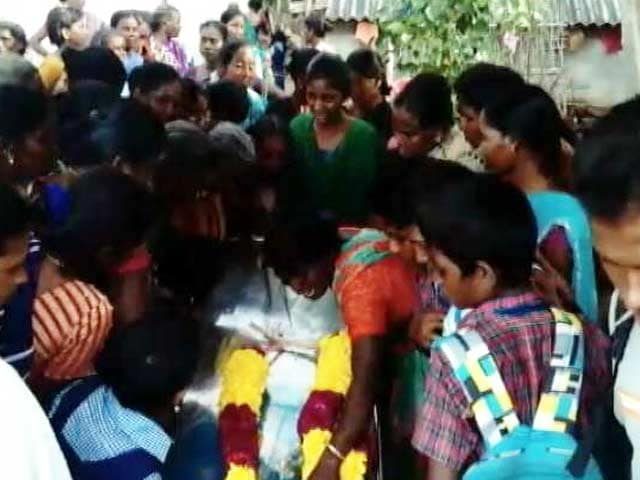 Video : Family of Anitha, Who Killed Herself Over NEET, Sends Back 7-Lakh Cheque