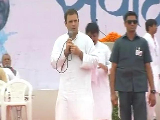 Video : Rahul Gandhi Launches Congress Campaign In Gujarat