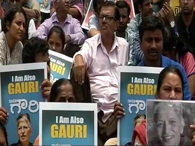 Videos : पत्रकार गौरी लंकेश की हत्या पर भड़का बॉलीबु़ड