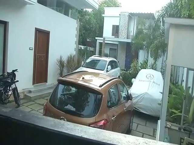 Video : Ex-Minister Jayanthi Natarajan's Chennai Home Raided In Corruption Case