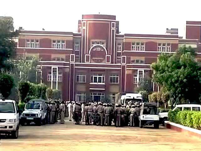 Videos : प्रद्युम्न हत्याकांड : रायन स्कूल के मैनेजमेंट पर कस रहा है शिकंजा
