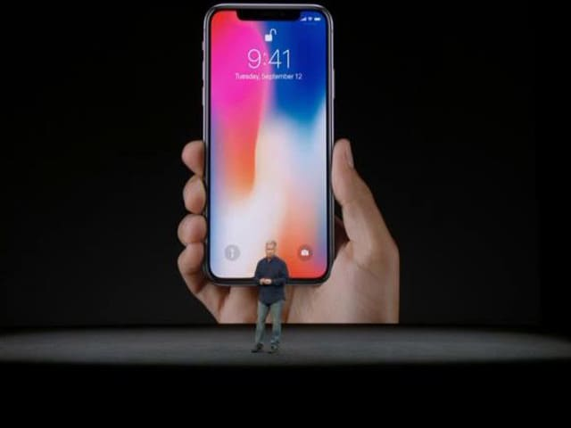 Video : Apple iPhone X With Bezel-less Display, Facial Recognition Launched