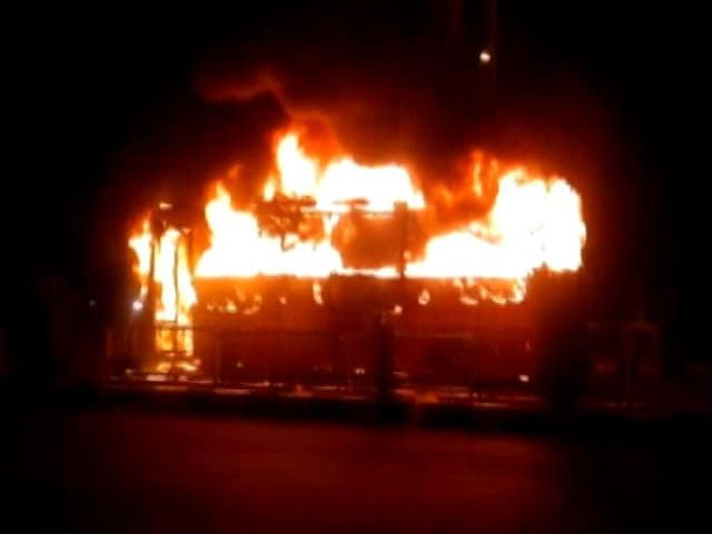 Video : 2 Buses Torched In Surat After Police Detain Dozen Patidar Protesters