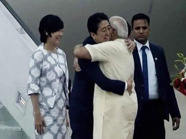 Video : A Hug, Roadshow With PM Modi As Japan's Abe Starts Gujarat Tour