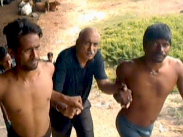 Videos : डीएनडी पर खुदकुशी करने वाले शख्स को बचाया