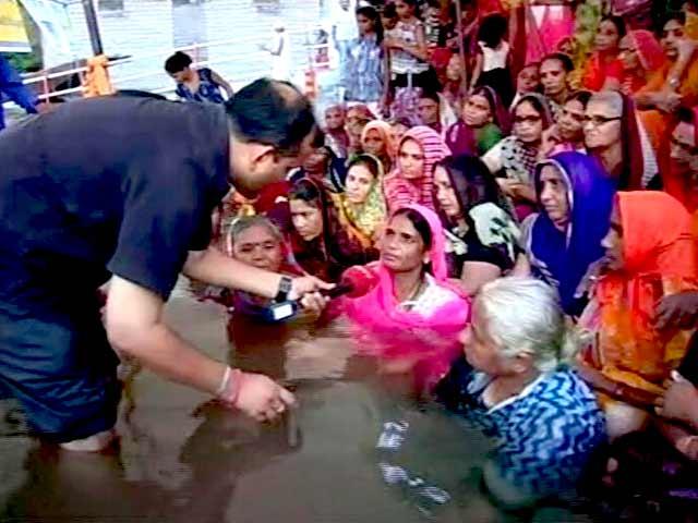 Video : इंडिया 9 बजे: मेधा पाटकर ने सहयोगियों संग जल सत्याग्रह शुरू किया