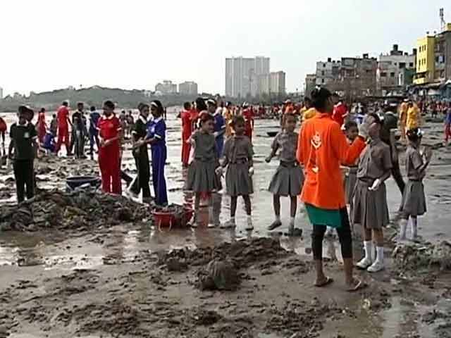 Video : Versova Beach Clean Up In 100th Week, 7.2 Million Kg Plastic Removed