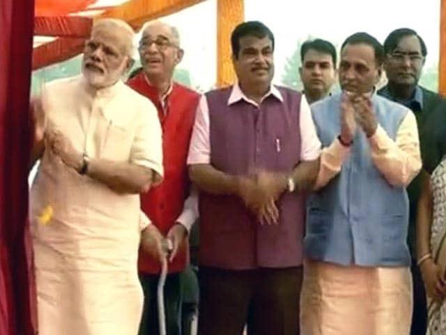 Videos : इंडिया 9 बजे: प्रधानमंत्री ने सरदार सरोवर बांध देश को समर्पित किया