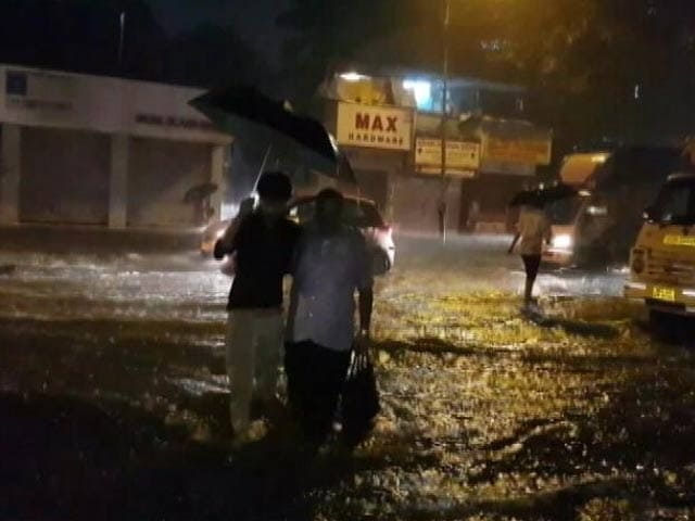 Video : After Night Of Heavy Rain, Mumbai Schools Shut, Flights Hit