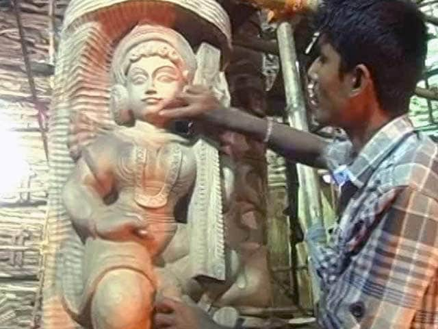 Video : Durga Puja: A Public Art Event