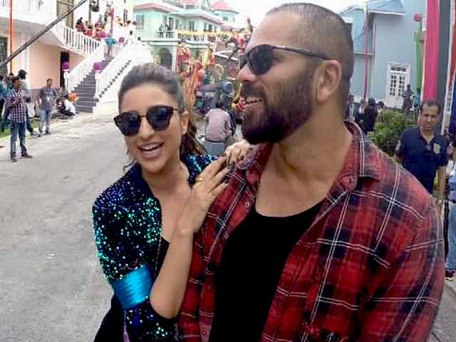 Exclusive: Rohit Shetty & Parineeti Chopra On The Sets Of Golmaal Again