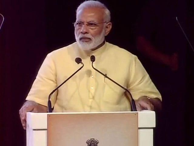 Videos : इंडिया 8 बजे: सरकार की हर योजना में गरीब कल्याण ही नज़र आएगा: प्रधानमंत्री नरेंद्र मोदी