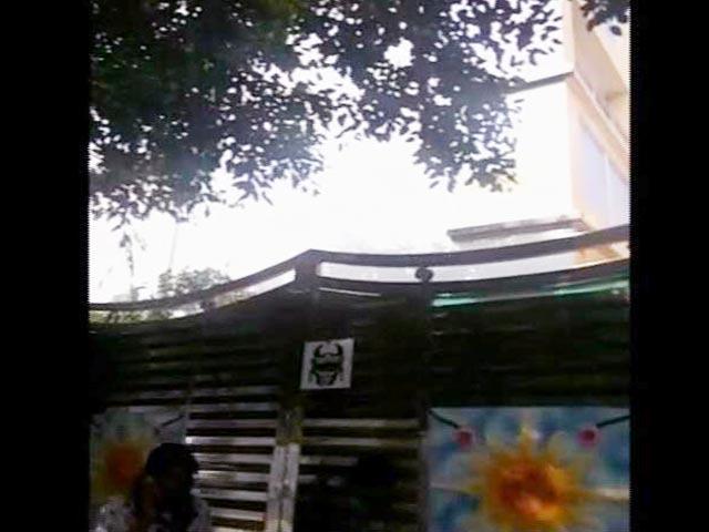 Video : हनीप्रीत की तलाश में दिल्ली के ग्रेटर कैलाश पार्ट-2 में छापेमारी