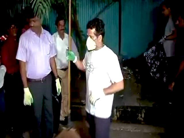 Video : Sachin Tendulkar Participates In #SwachhataHiSeva, Cleans The Streets Of Mumbai