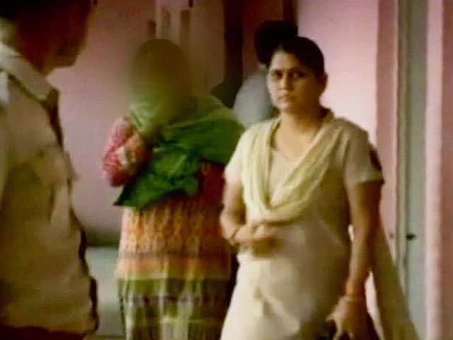 Videos : दिल्ली से बीकानेर गई महिला के साथ गैंगरेप