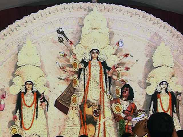 Video : GST, Economic Slow Down Hit Puja Sponsorships