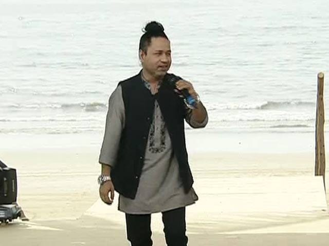 Video : Singer Kailash Kher Urges People To Maintain Cleanliness And Hygiene