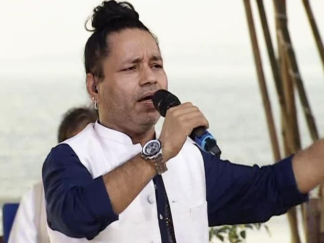 Video : Singer Kailash Kher Performs At #SwachhIndia Cleanathon
