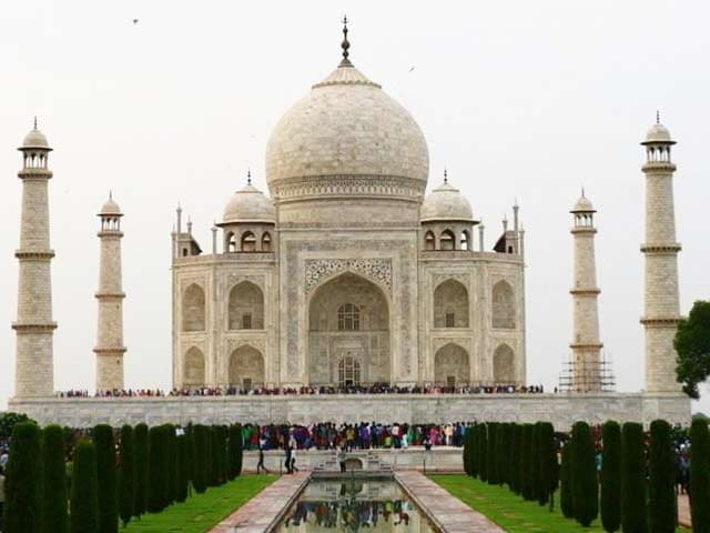Video : No Love For The Monument Of Love Taj Mahal?