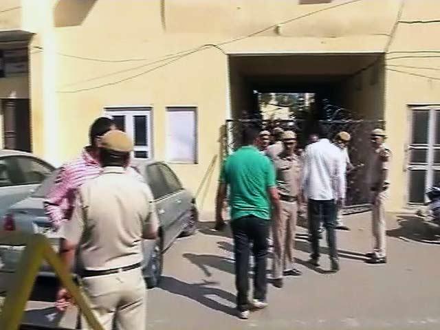 Video : दिल्ली के मानसरोवर पार्क इलाके में 4 महिलाओं समेत 5 लोगों की हत्या