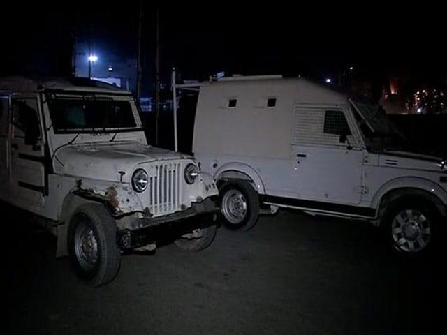 Videos : हिजबुल मुजाहिद्दीन को हथियार सप्लाई करने वाले जम्मू-कश्मीर पुलिस के दो जवान गिरफ्तार