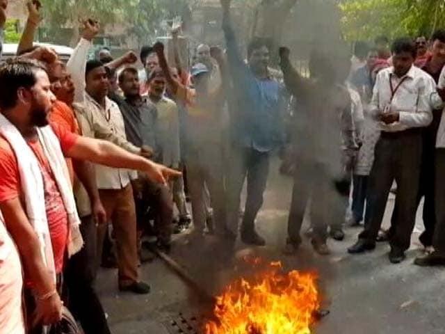 Videos : दिल्ली में फिर हड़ताल पर सफ़ाईकर्मी