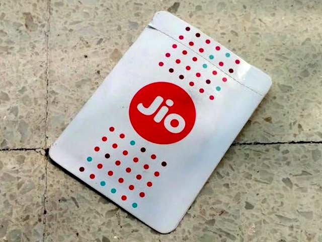 360 Daily: Jio Offers 100 Percent Cashback, Airtel Offers 4G Smartphone at Rs. 1,399, and More