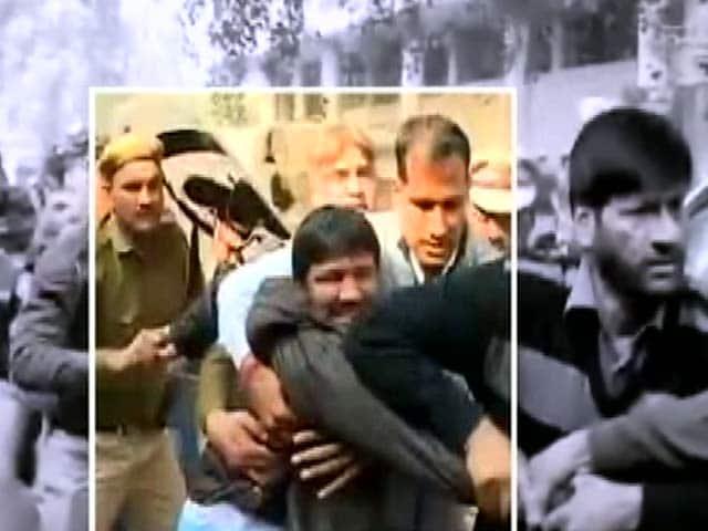 Video : बड़ी ख़बर: हाईकोर्ट ने JNU को दिखाया आईना