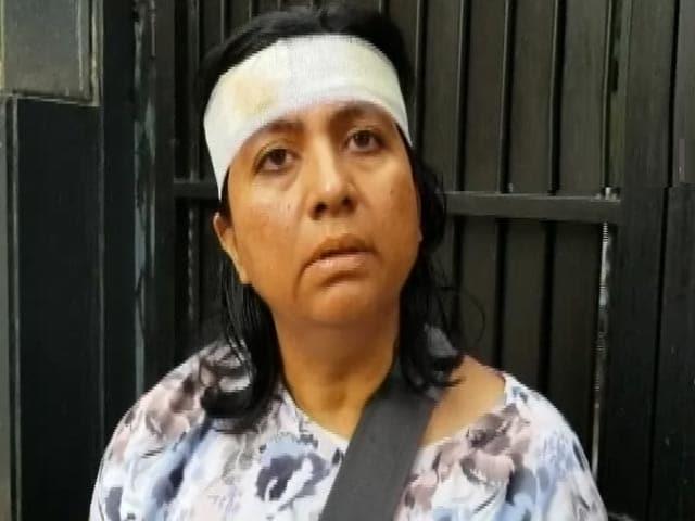 Video : बेंगलुरु में गोहत्या की तहकीकात करने गई महिला पर हमला