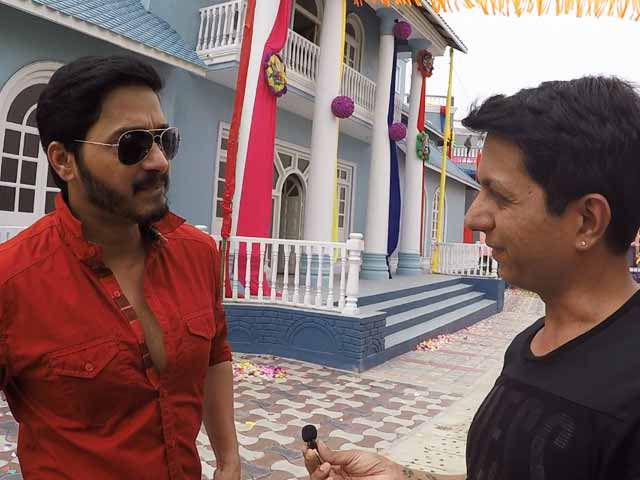 Video : Watch: Shreyas Talpade On The Sets Of <i>Golmaal Again</i>