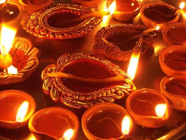 Video : दिल्ली में इस दीपावली पिछले साल के मुक़ाबले कम प्रदूषण