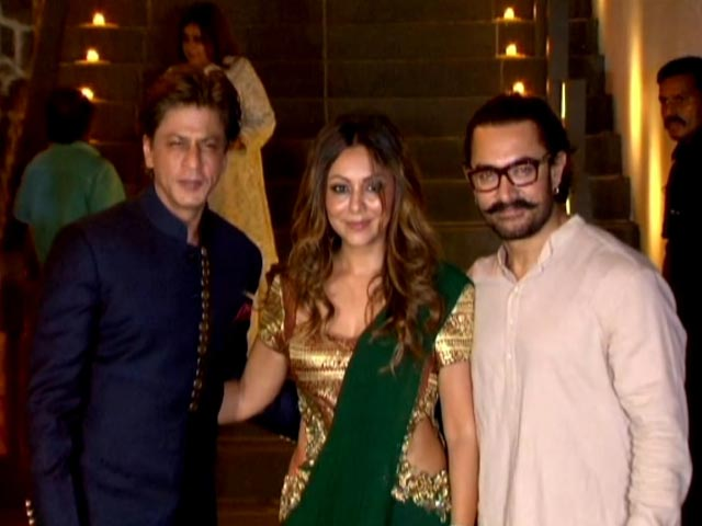 Video : B-Town Stars Attend Aamir Khan's Diwali Party