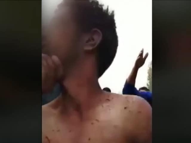 Videos : जम्मू कश्मीर में चोटीकटवा के शक में भीड़ ने 'मानसिक रूप से बीमार' व्यक्ति को पीटा